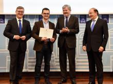 Entrega al IES La Sisla del 3ª premio de Calidad e Innovación de Formación Profesional 2016